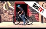 Subir y bajar de la bicicleta (con la altura correcta del sillín)